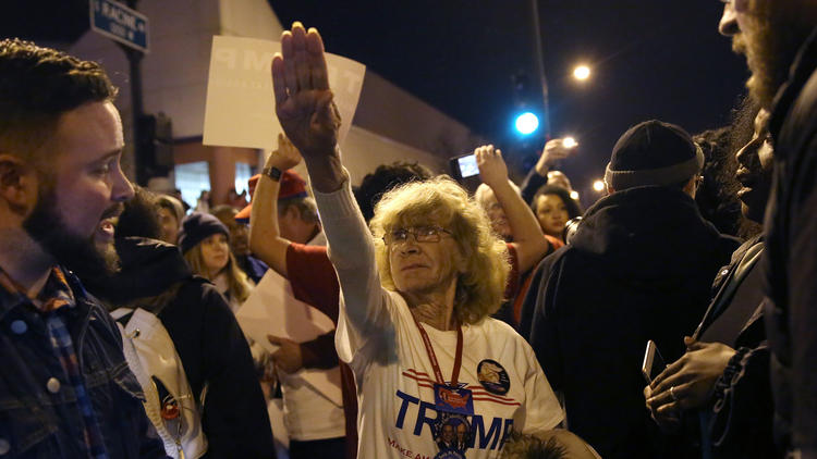 Woman gives Nazi salute at Donald Trump rally in Chicago